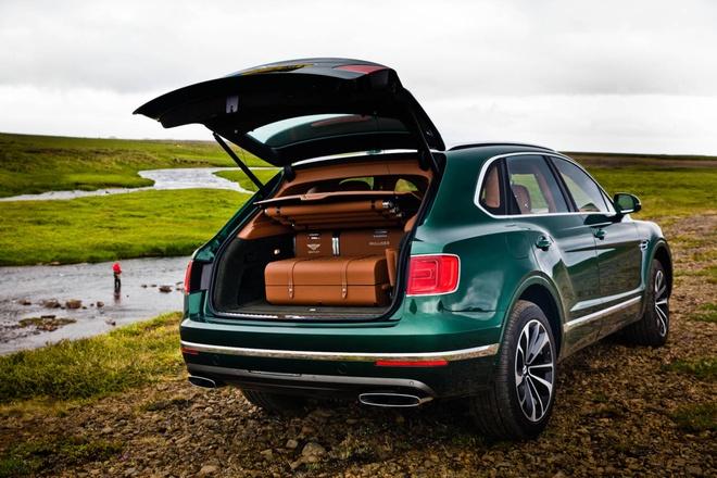 Bentley Bentayga se trang bi dong co diesel hinh anh