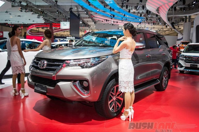 Toyota Fortuner hoan toan moi lo dien tai Indonesia hinh anh