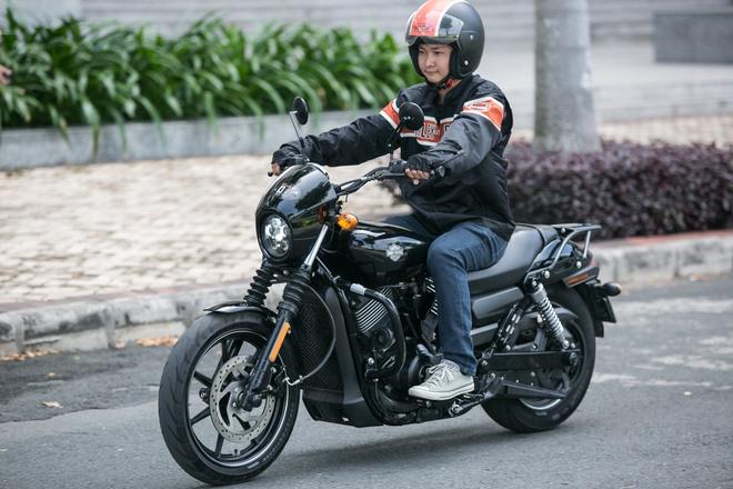 Nhieu mau Harley Davidson giam gia manh tai Viet Nam hinh anh 1