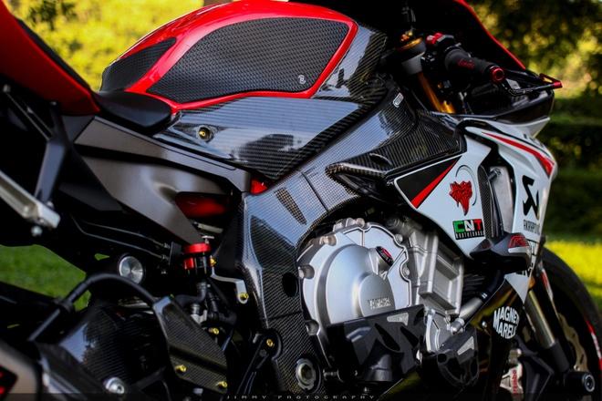 Yamaha R1 do carbon anh 4