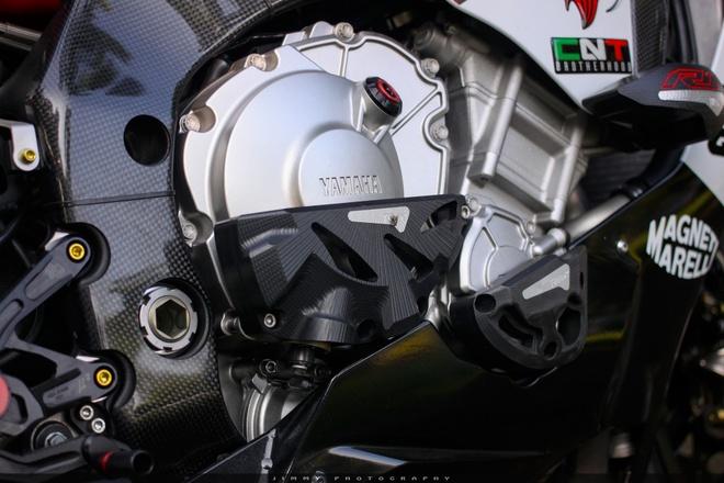 Yamaha R1 do carbon anh 6