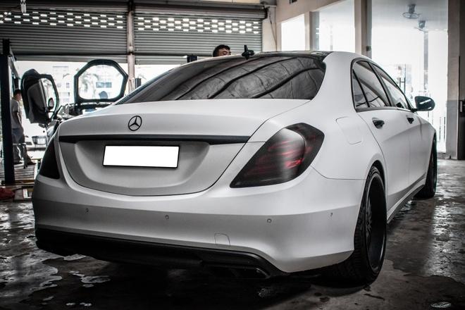 Mercedes S500 dan decal don gian tai Sai Gon hinh anh 4