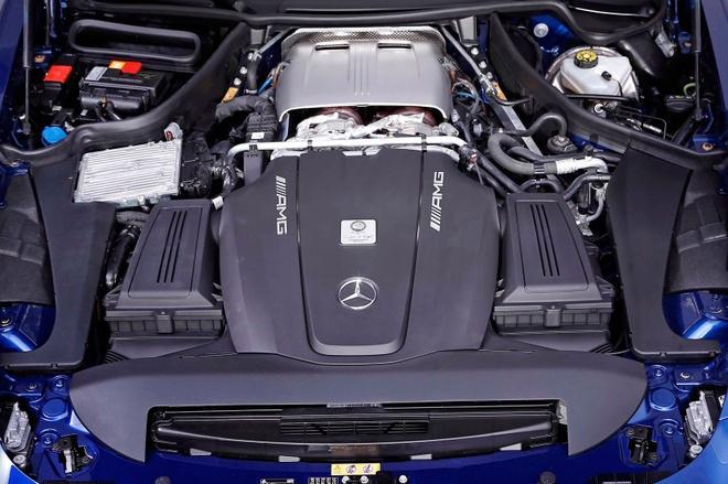 Mercedes GTS do 604 ma luc boi tho Duc hinh anh 3