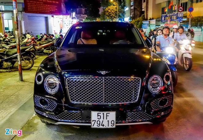 Bentley Bentayga 19 ty dau tien ra bien so TP.HCM hinh anh 2