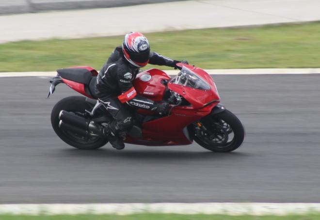 Danh gia Ducati 959 Panigale tai Viet Nam hinh anh