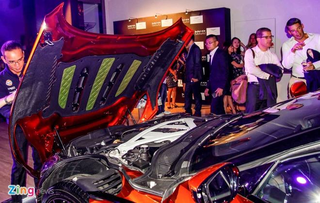 Aston Martin DB11 ra mat gioi dai gia Dong Nam A hinh anh 4