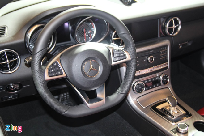 Mercedes SLC 43 AMG gia 3,6 ty dong tai Viet Nam hinh anh 10