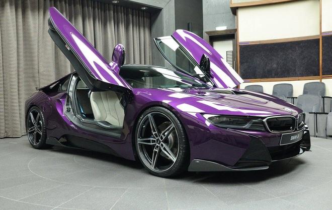 BMW i8 do chinh hang mau doc tai Abu Dhabi hinh anh