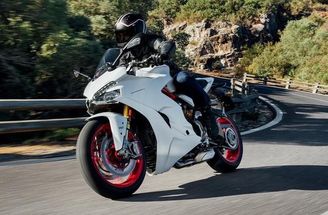Ducati gioi thieu xe the thao moi de dieu khien hinh anh 2