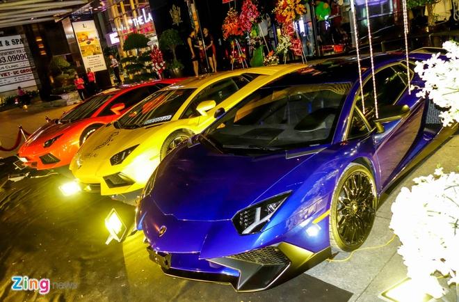 Dai tiec Lamborghini cua Minh Nhua o Sai Gon hinh anh 1