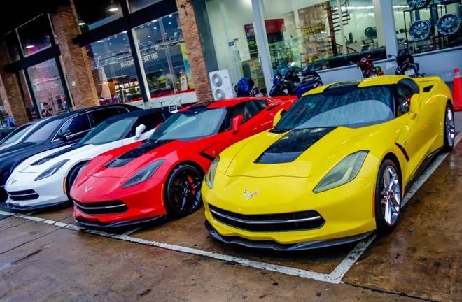 Ba xe the thao Corvette Stingray tai TP.HCM hinh anh