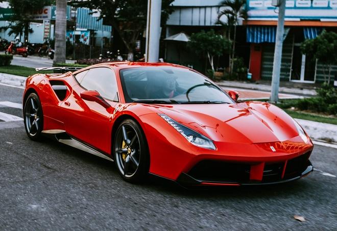 Chi 1 ty dong do Ferrari 488 GTB o Da Nang hinh anh