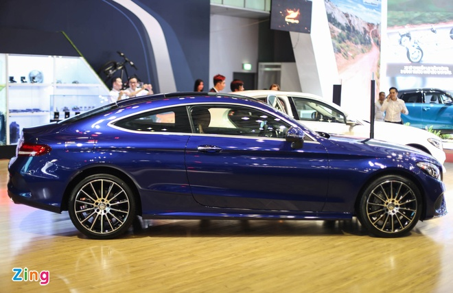 Chi tiet Mercedes C300 Coupe gia 2,7 ty dong tai VIMS hinh anh 3
