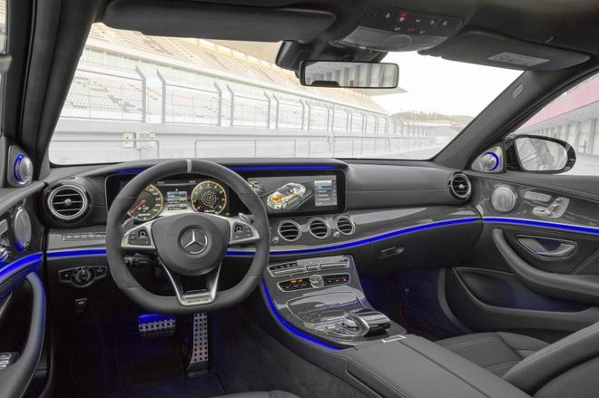 Mercedes E63 AMG 2017 - sieu xe trong hinh hai sedan hinh anh 3