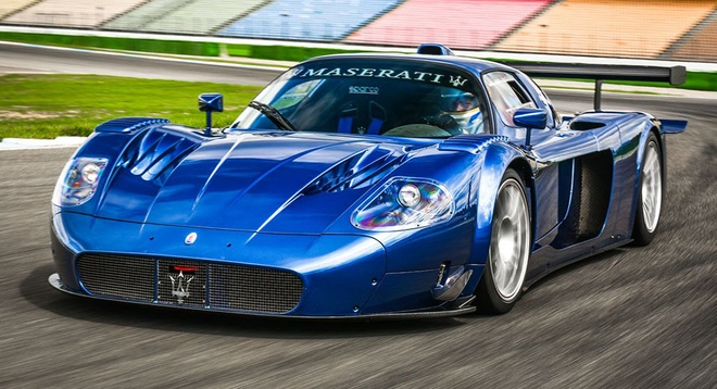 Do Maserati MC12 1,8 trieu USD thanh sieu xe duong pho hinh anh 1