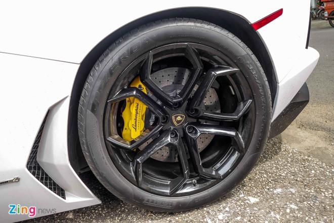 Lamborghini Aventador dau tien Viet Nam doi mau hinh anh 7