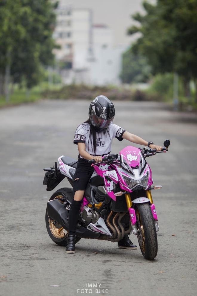 Kawasaki Z800 do Hello Kitty cua nu biker Sai Gon hinh anh 2