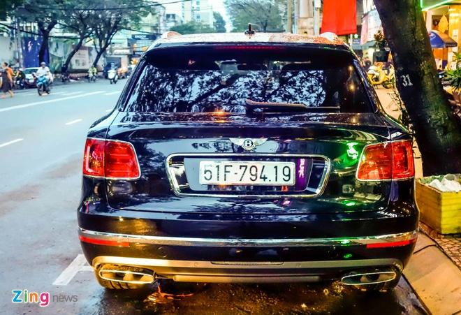 Anh Bentley Bentayga - sieu SUV gia 19 ty dong o Sai Gon hinh anh 3
