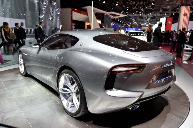 Maserati san xuat sieu xe dien canh tranh Tesla hinh anh 3