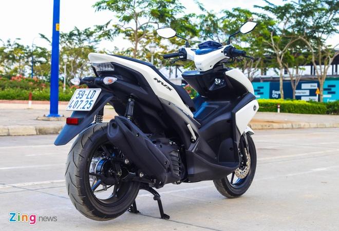 Yamaha NVX chay 40 km het 1 lit xang trong thanh pho hinh anh 2