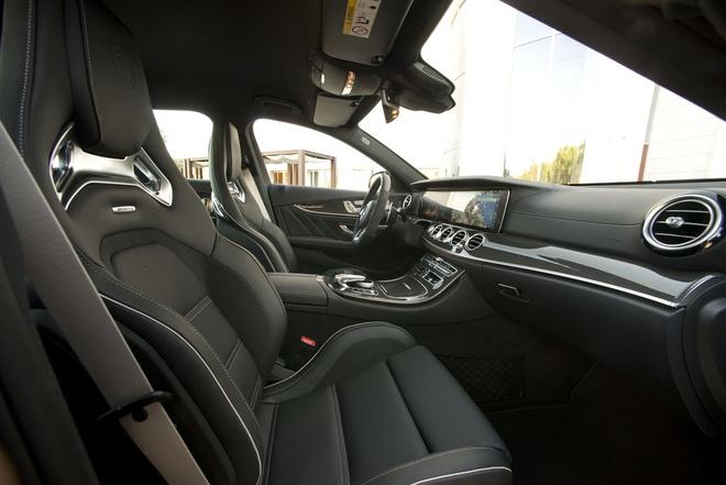 Mercedes E63 AMG: Sedan the thao thong minh nhat hinh anh 3
