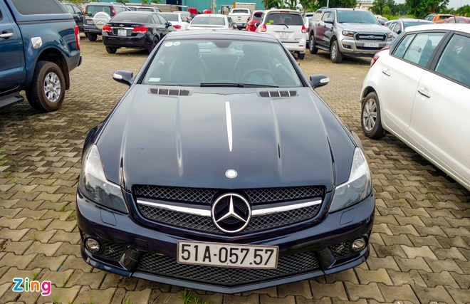 Xe the thao hiem Mercedes SL63 AMG cua dai gia Sai Gon hinh anh 1