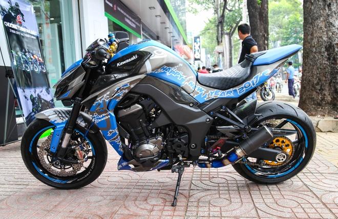 Kawasaki Z1000 do chuan bi don Tet 2017 hinh anh