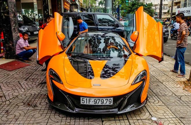 McLaren cu cua Minh Nhua thay ao moi de tim chu hinh anh