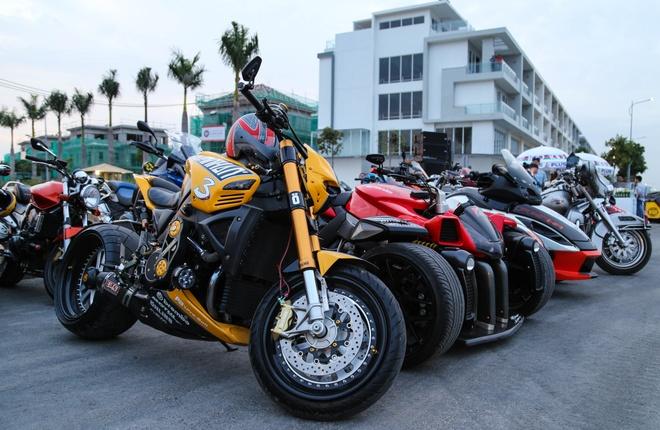 Hang nghin biker hoi ngo mung sinh nhat Saigon Free Chapter hinh anh