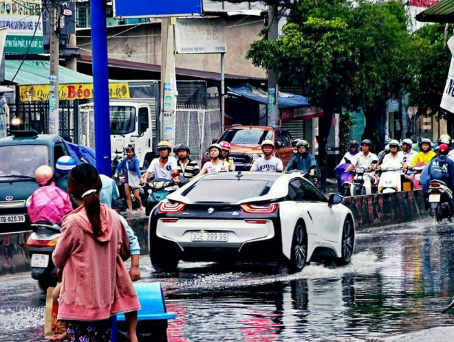 BMW i8 7 ty 'loi nuoc' o Viet Nam gay to mo tren Instagram hinh anh