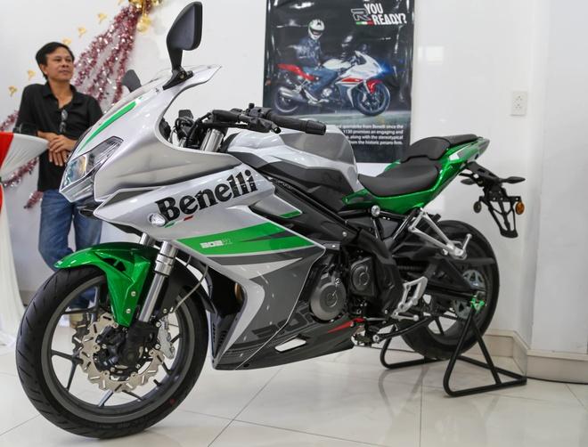 Chi tiet Benelli 302R: Doi thu Yamaha R3, gia 109 trieu hinh anh