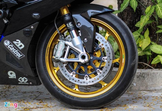 Sieu moto BMW S1000RR do dan ao carbon o Sai Gon hinh anh 3