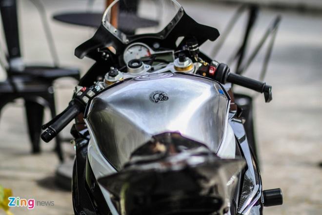 Sieu moto BMW S1000RR do dan ao carbon o Sai Gon hinh anh 8