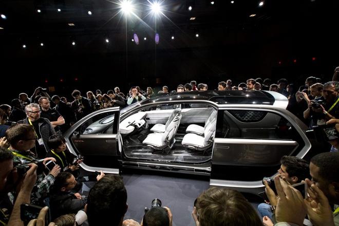 xe dien thong minh Chrysler anh 5