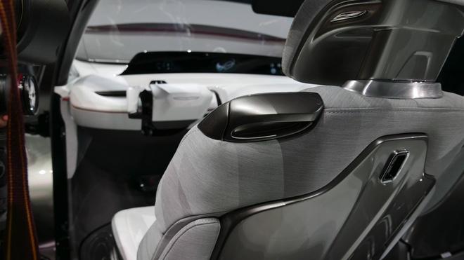 xe dien thong minh Chrysler anh 8