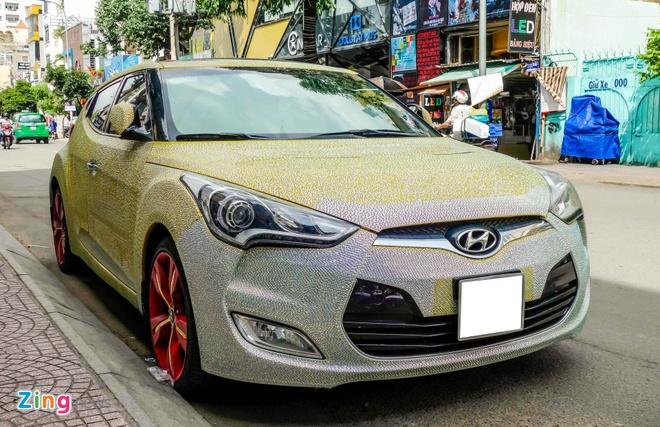 Hyundai Veloster dinh hang nghin vien pha le o Sai Gon hinh anh 1