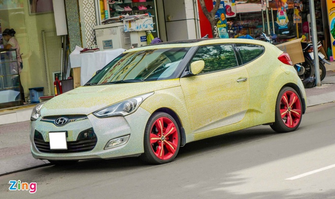 Hyundai Veloster dinh hang nghin vien pha le o Sai Gon hinh anh 7