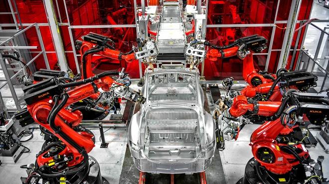 Tesla san xuat khong kip giao hang nam 2016 hinh anh