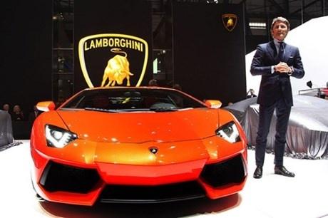Lamborghini xac lap ky luc ban xe moi trong nam 2016 hinh anh 1
