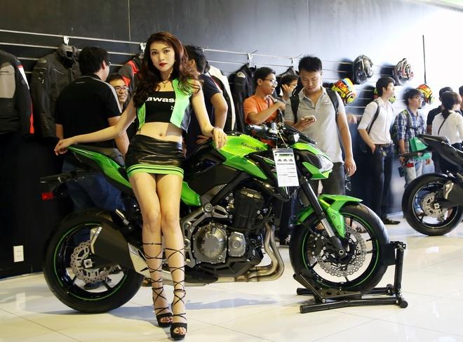 Kawasaki Z900 va Z650 ra mat tai Viet Nam, gia tu 218 trieu hinh anh