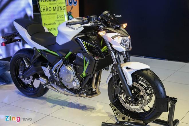 Chi tiet nakedbike gia mem Kawasaki Z650 vua ra mat tai VN hinh anh 1
