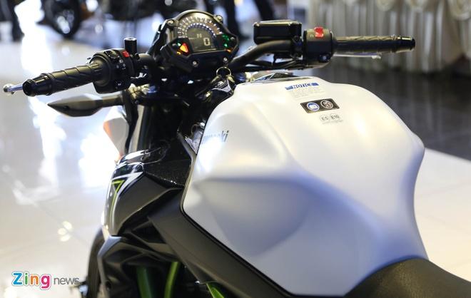 Chi tiet nakedbike gia mem Kawasaki Z650 vua ra mat tai VN hinh anh 5