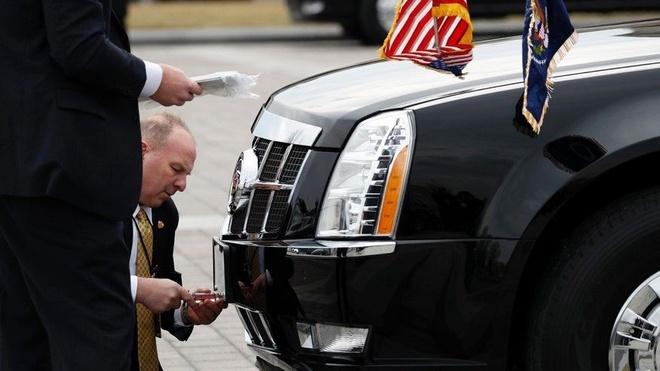 Limousine boc thep cua Tong thong Donald Trump anh 1