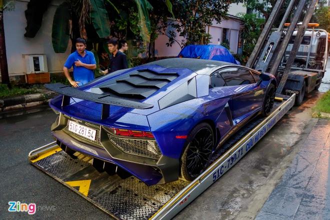 Sieu xe Lamborghini 35 ty cua Minh Nhua ra bien trang hinh anh 4