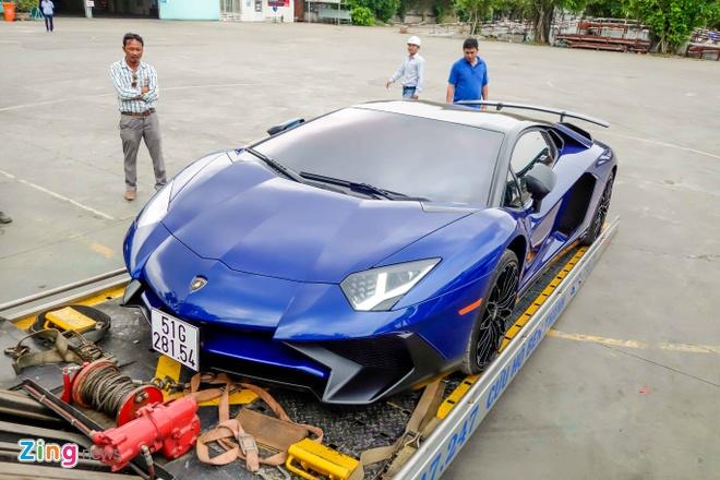 Sieu xe Lamborghini 35 ty cua Minh Nhua ra bien trang hinh anh 5