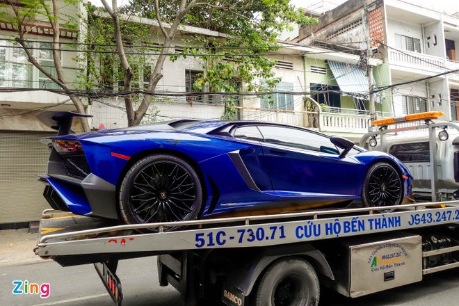 Sieu xe Lamborghini 35 ty cua Minh Nhua ra bien trang hinh anh 1