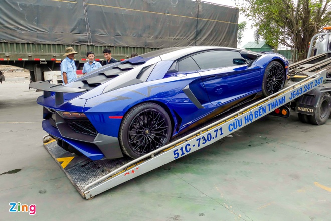 Sieu xe Lamborghini 35 ty cua Minh Nhua ra bien trang hinh anh 2