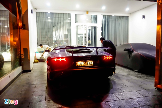 Sieu xe Lamborghini 35 ty cua Minh Nhua ra bien trang hinh anh 7