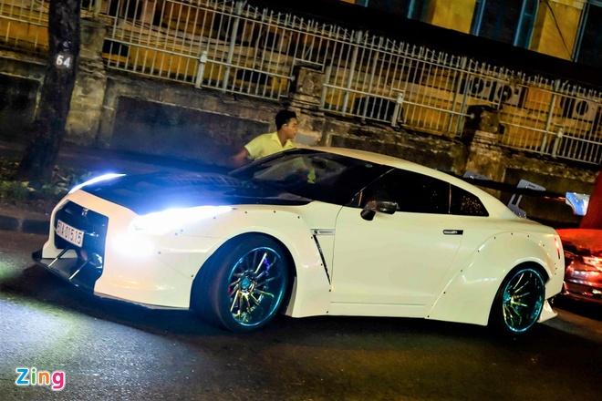 Xe the thao Nissan GT-R do than rong kieu Nhat tai Sai Gon hinh anh 1