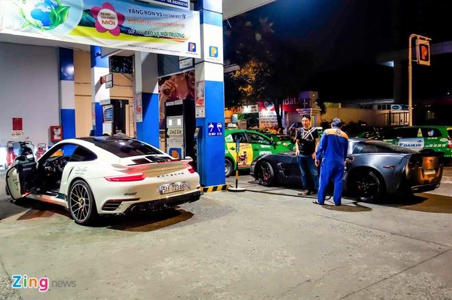 Porsche 'canh sat Dubai' va dan xe the thao Sai Gon di Thai hinh anh 4